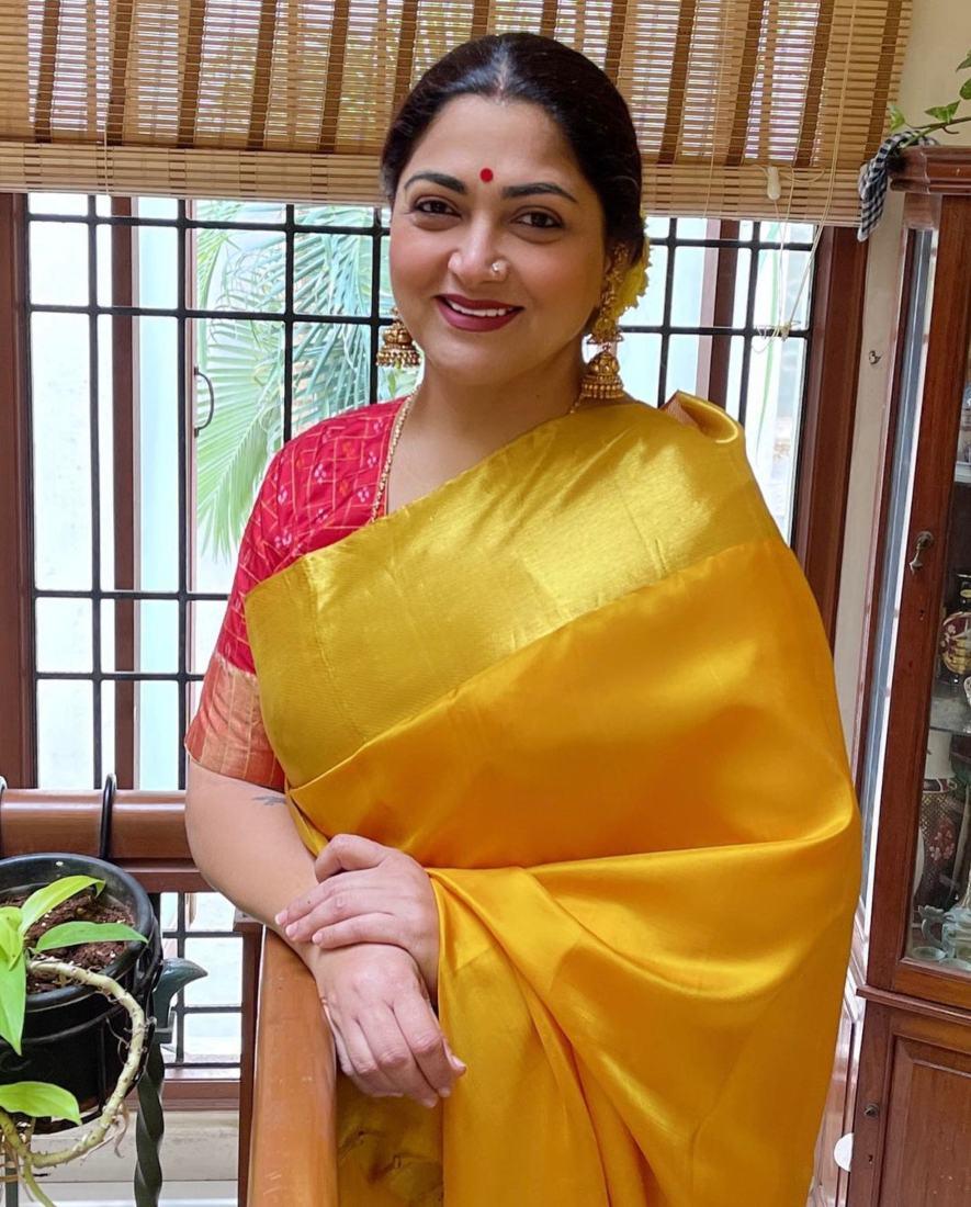 Kushboo Sundar in a yellow pattu saree for Ganesh Chaturthi-3