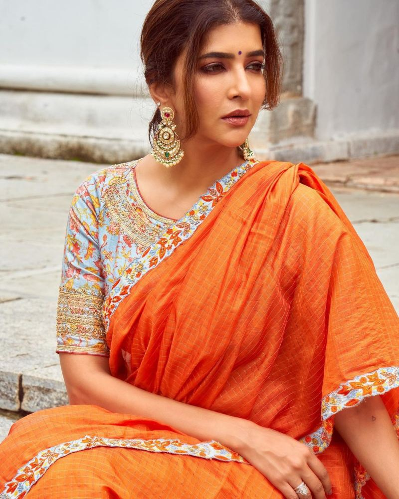 Lakshmi Manchu in an orange saree-4