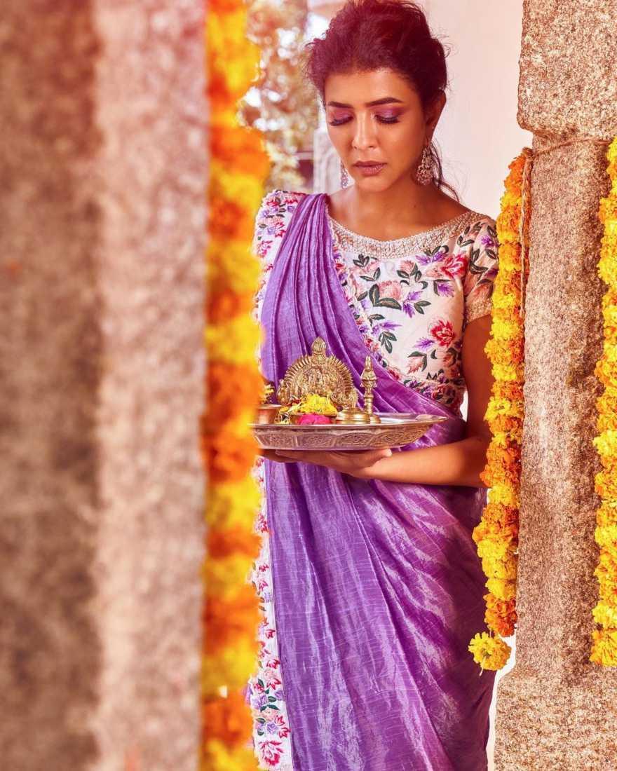 Lakshmi manchu in a lavender saree-1