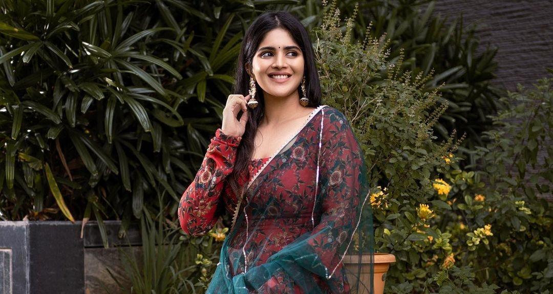 Megha Akash in a geethika Kanumili red floral anarkali for dear megha-3