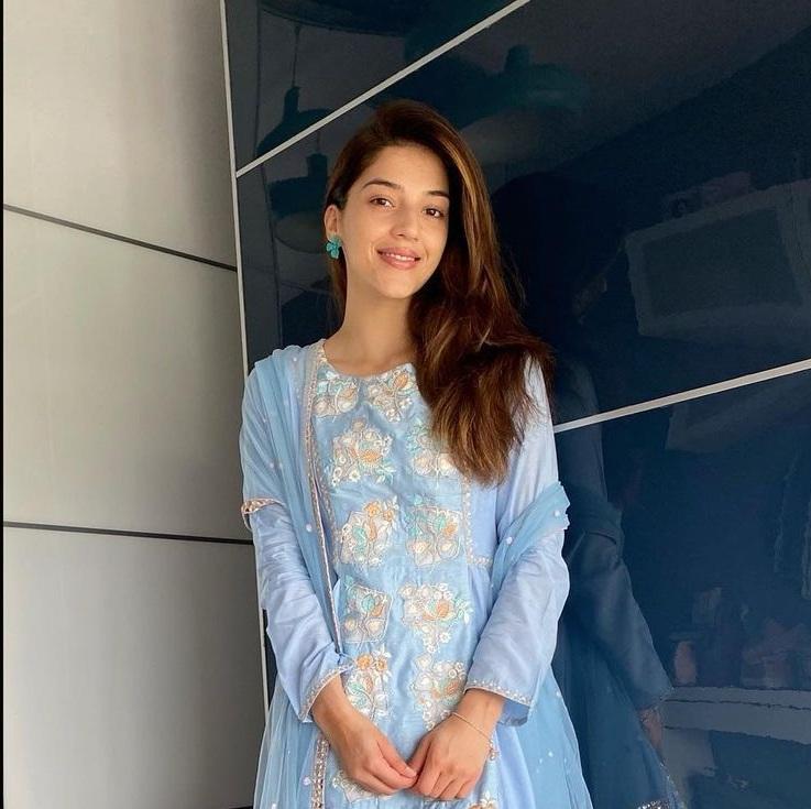 Mehreen Pirzada in powder blue kurta set by akat-1