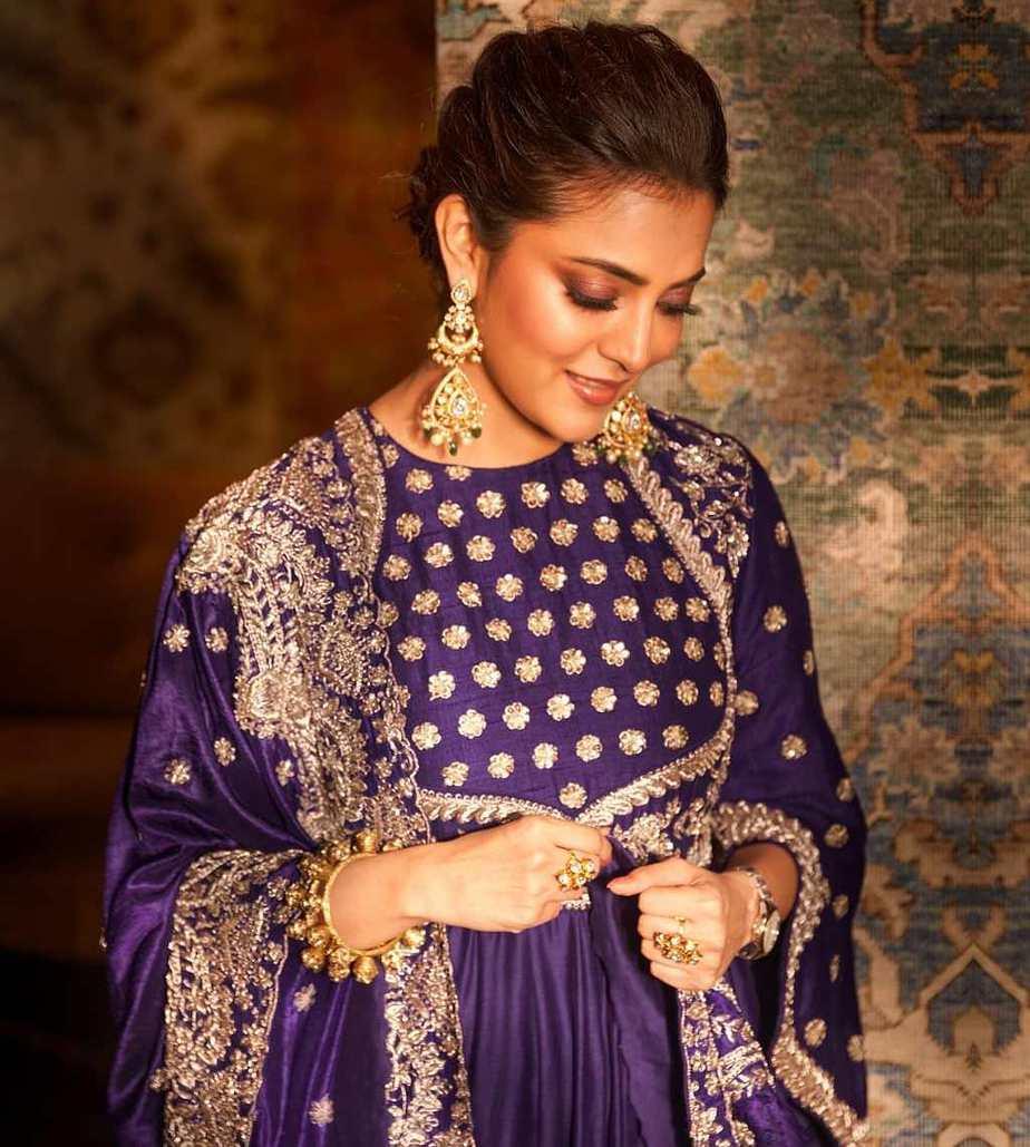 Nisha Aggarwal in purple jayanti Reddy anarkali set-4