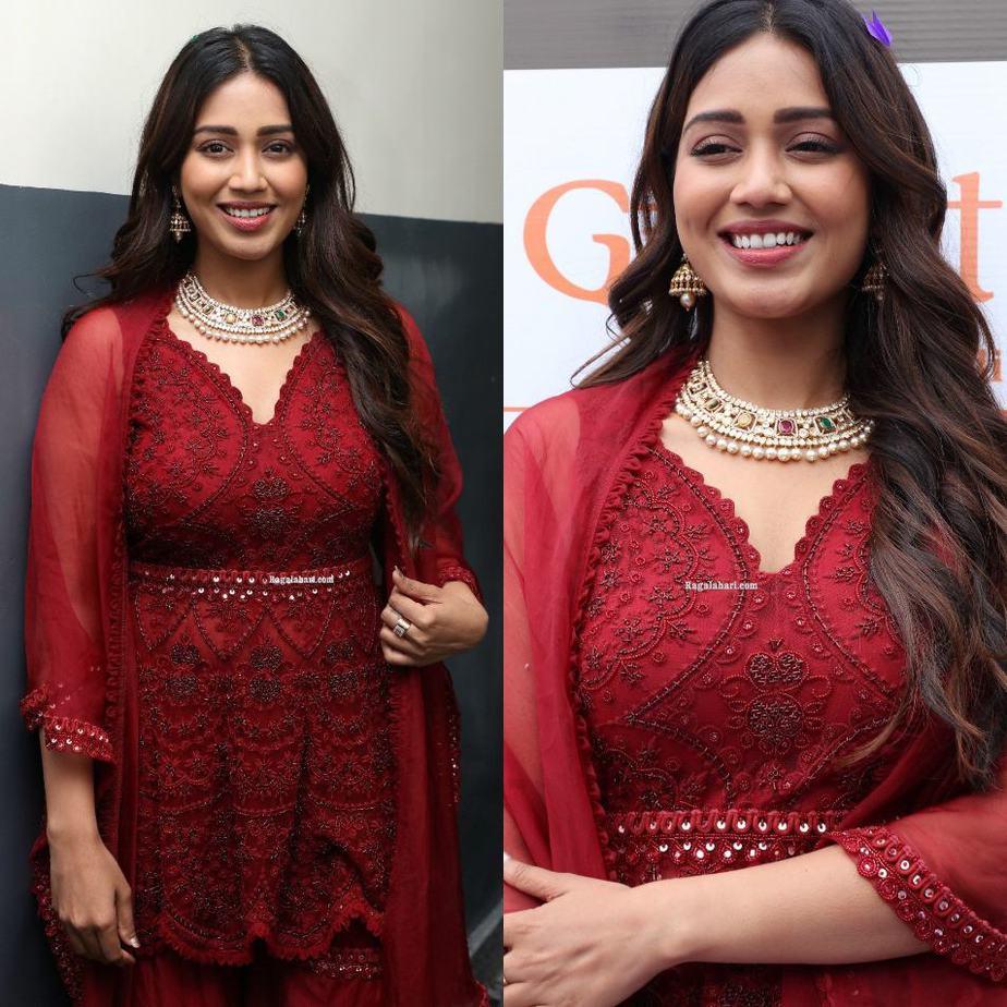 Nivetha Pethuraj in a maroon kurta set at a restaurant opening-2