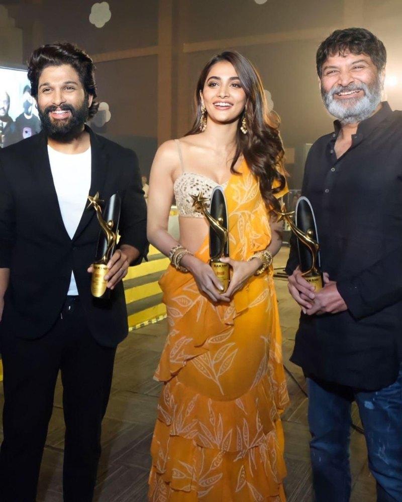 Pooja Hegde in Arpita Mehta yellow saree for Sakshi awards-5