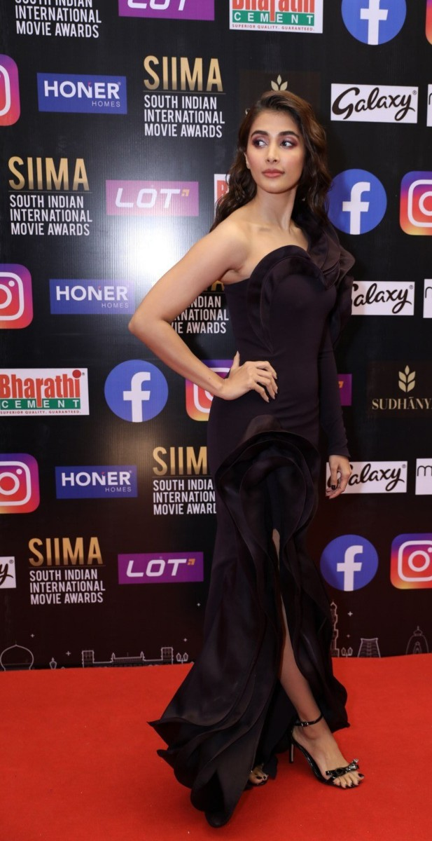 Pooja Hegde in a black gown for SIIMA-2021-1