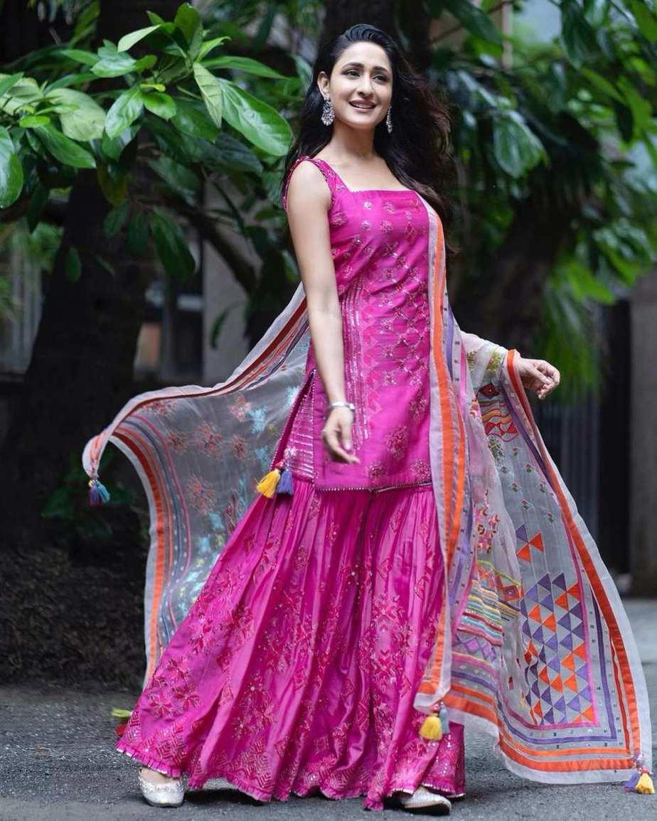 Pragya jaiswal in pink sukrit -aakriti for Ganesh Chaturthi-3