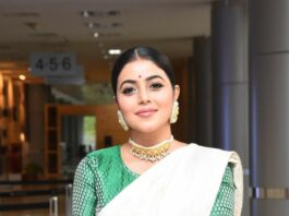 Purnaa in an ivory benarasi saree by ridhi's sarees for thalaivi pre-release event-3