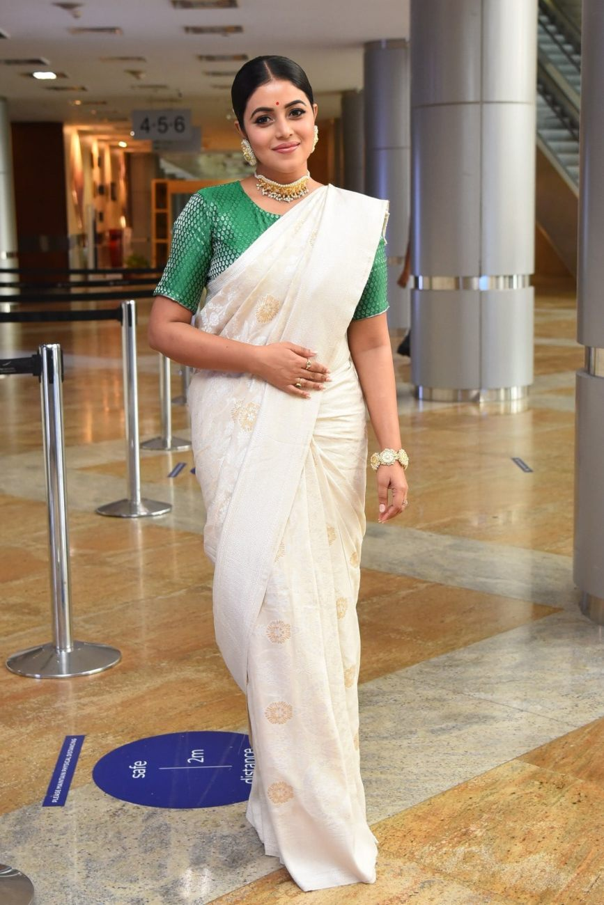 Purnaa in an ivory benarasi saree by ridhi's sarees for thalaivi pre-release event