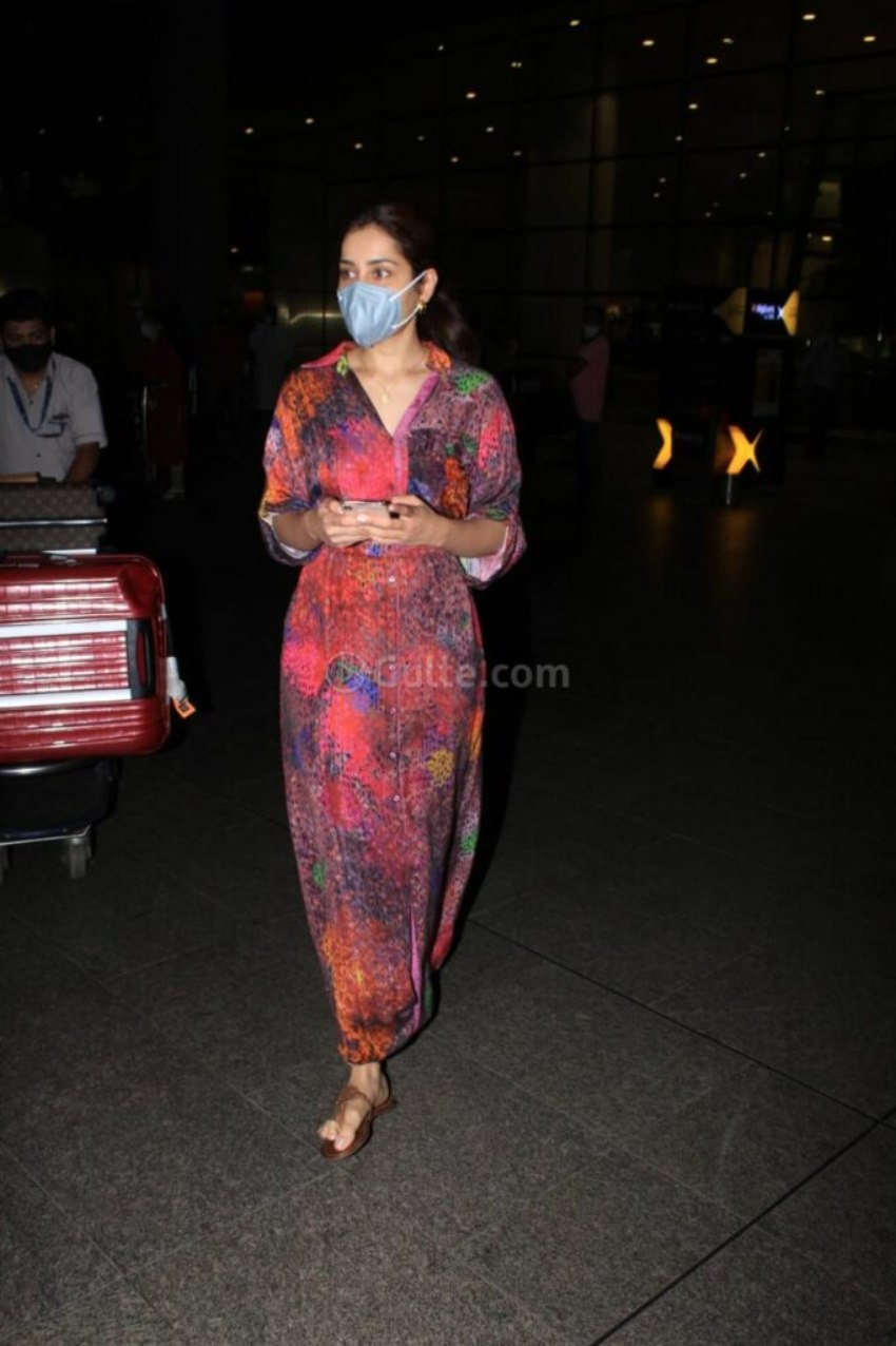 Raashi Khanna in multi coloured maxi dress at the airport-2