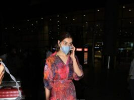 Raashi Khanna in multi coloured maxi dress at the airport-3