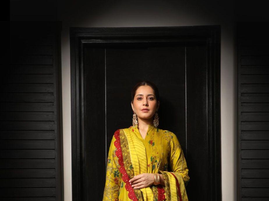Raashii Khanna in mustard Archana Jaju for Tughlaq Durbar-2