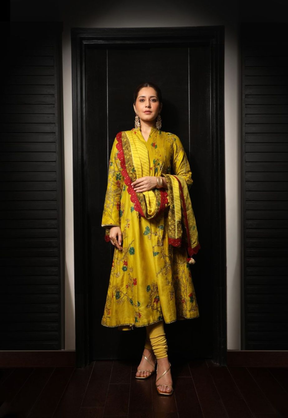 Raashii Khanna in mustard Archana Jaju for Tughlaq Durbar
