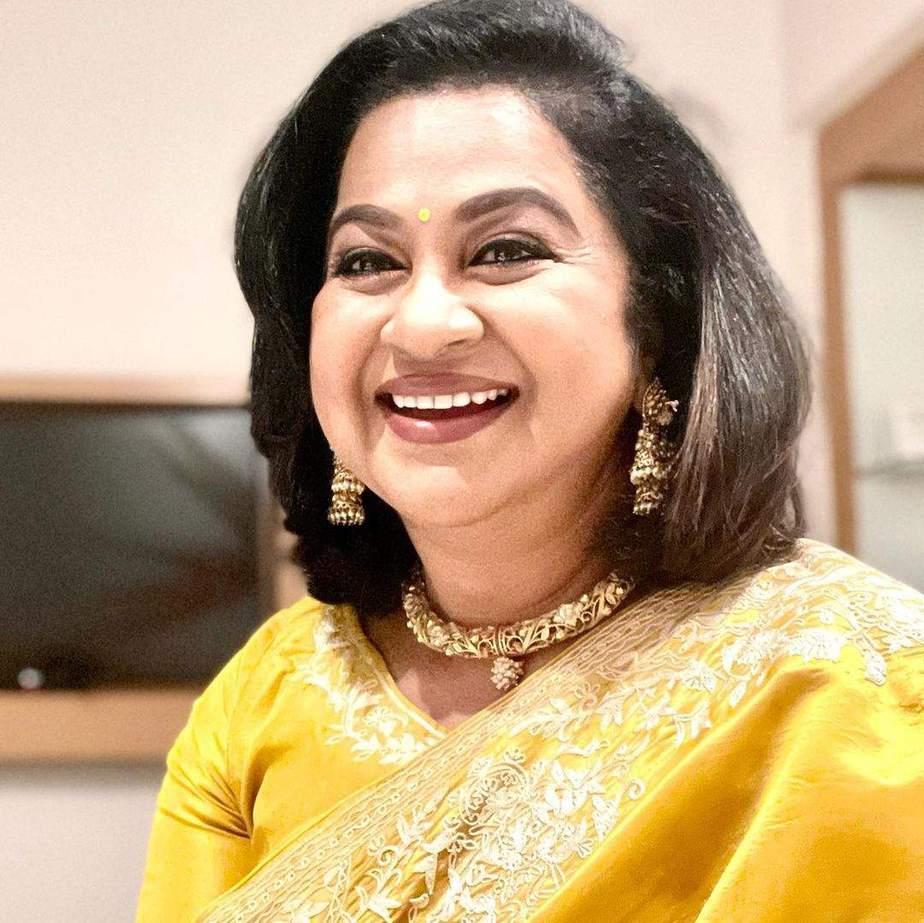 Radikaa Sarathkumar in a yellow saree for SIIMA2021-FEATURED