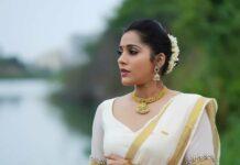 Rashmi Gautam in a kasavu lehnga by Starry dreams-3
