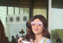 Shilpa Shetty in a white kurta set at the airport-1