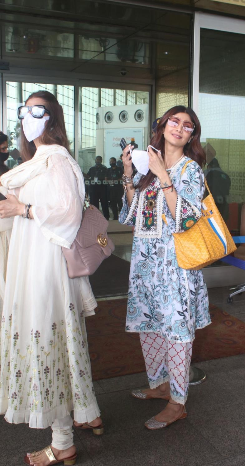 Shilpa Shetty in a white kurta set at the airport-4