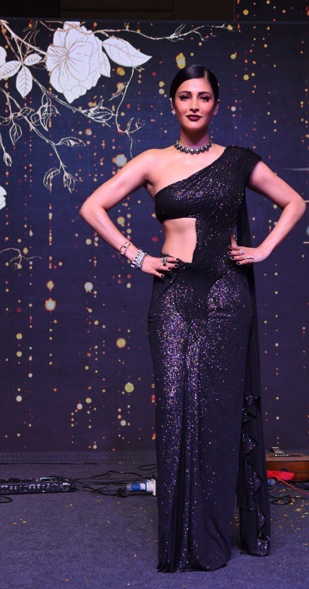 Shruti Hassan in black Gaurav Gupta saree gown for SIIMA-1