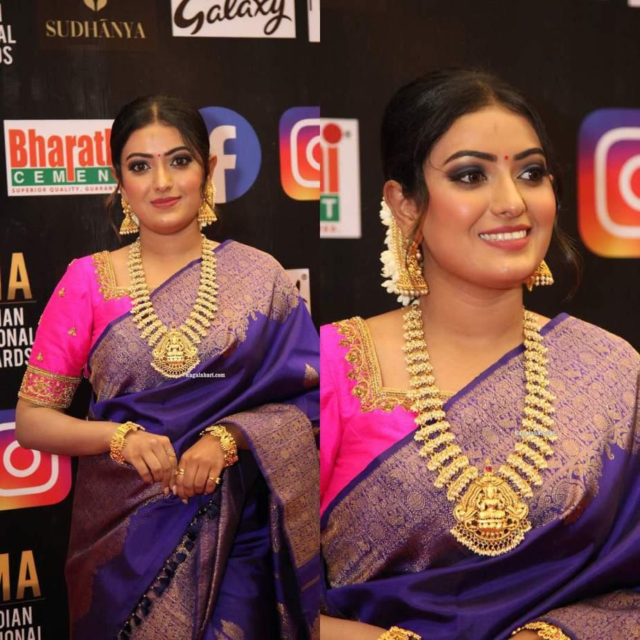 Sonika Gowda in a violet pattu saree at SIIMA 2021-2
