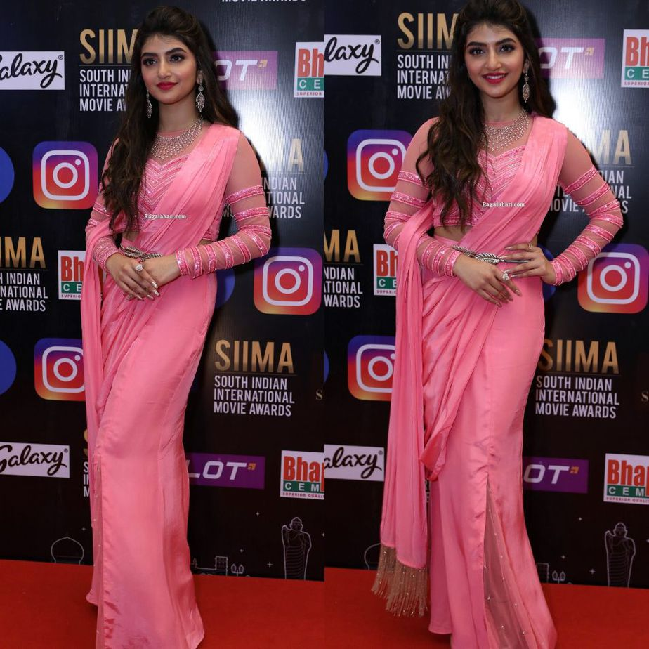 Sreeleela in a pink outfit at SIIMA 2021-1