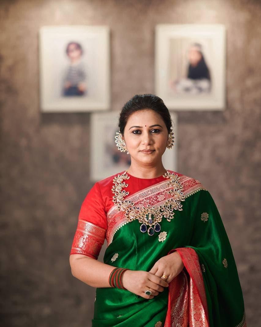 Thabitha Sukumar in green-red saree for Ganesh chaturthi-1