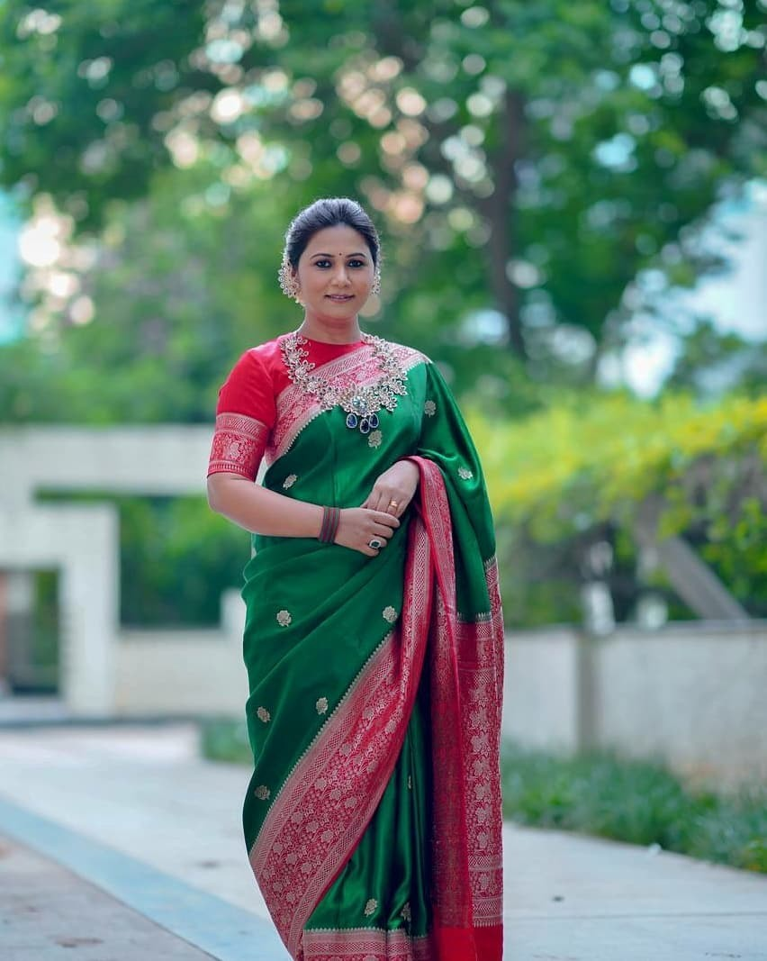 Thabitha Sukumar in green-red saree for Ganesh chaturthi-2