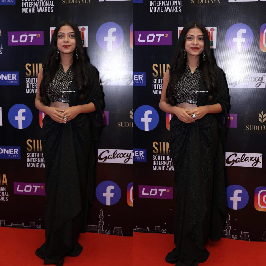 Varsha Bolamma in a black saree gown for SIIMA 2021-2