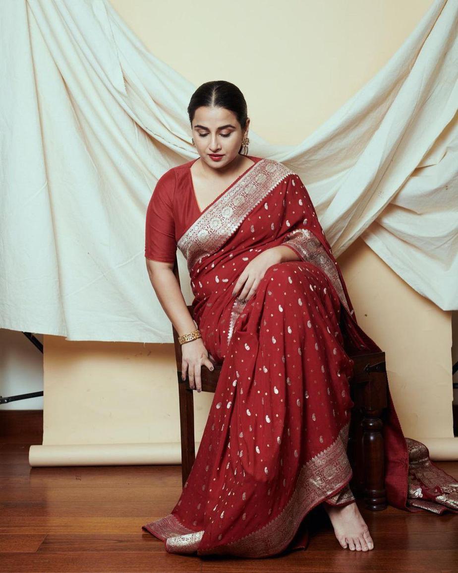 Vidya Balan in a red chanderi saree by Gaurang-2