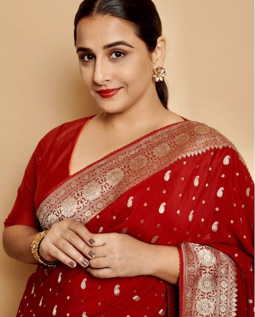 Vidya Balan in a red chanderi saree by Gaurang-3