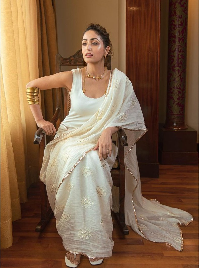 Yami gautam in a white pre-drape saree by ituvanafor bhoot police promotions-3
