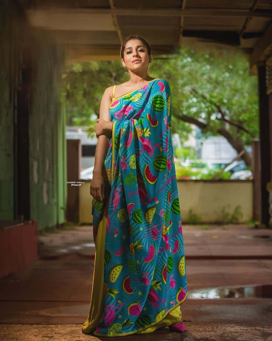 rashmi gautam in a neon green printed saree by Shrutii Clothing-1