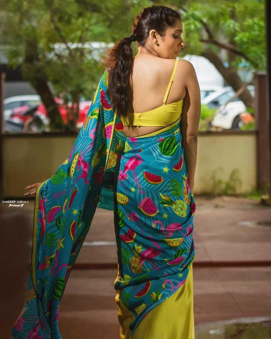 rashmi gautam in a neon green printed saree by Shrutii Clothing-2