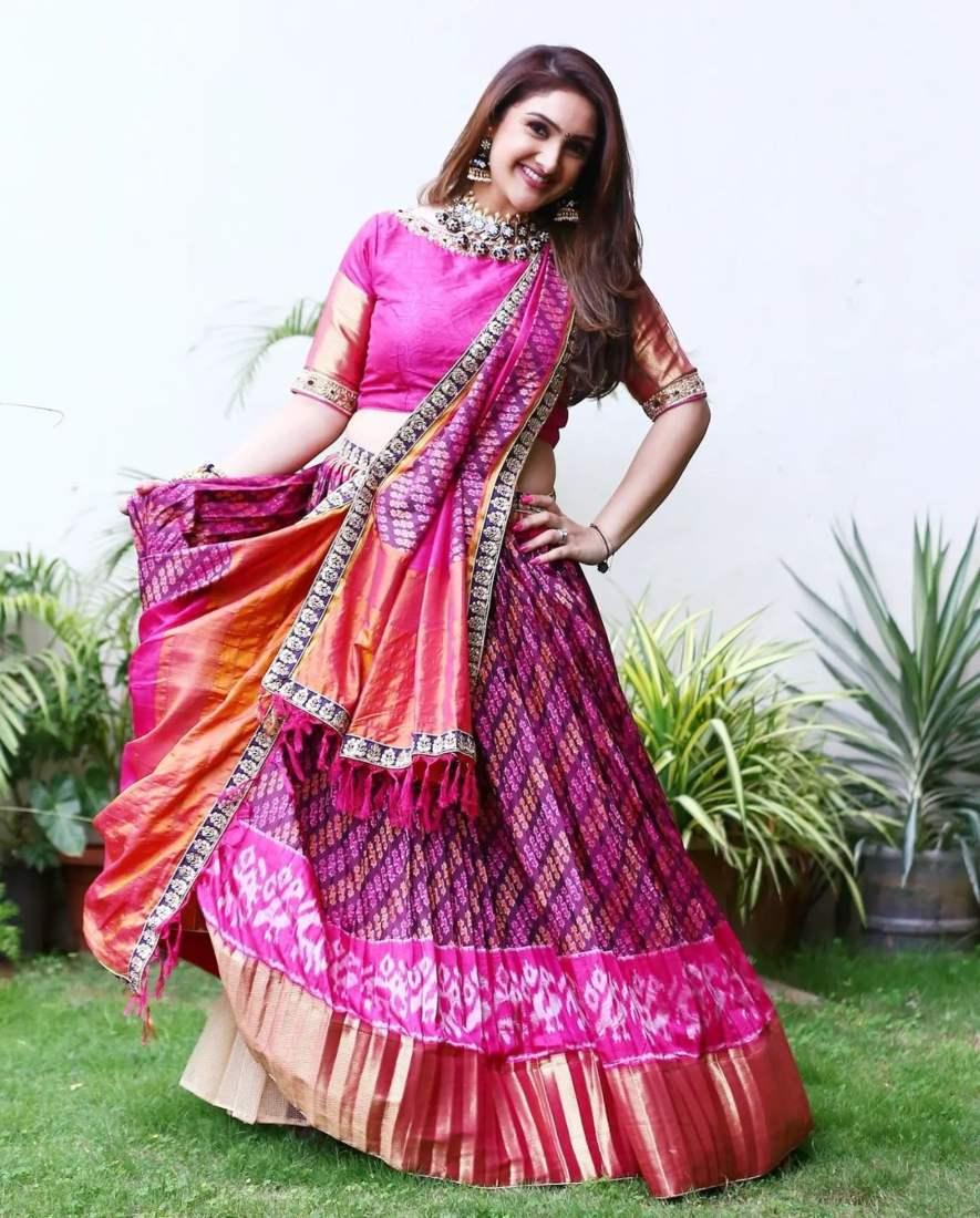 sridevi Vijaykumar in pink patola leehnga by Neeru's for comedy stars-1