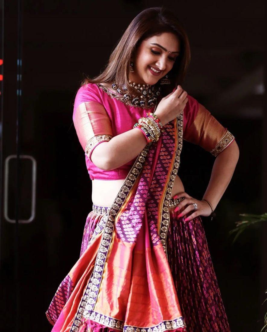 sridevi Vijaykumar in pink patola leehnga by Neeru's for comedy stars-2