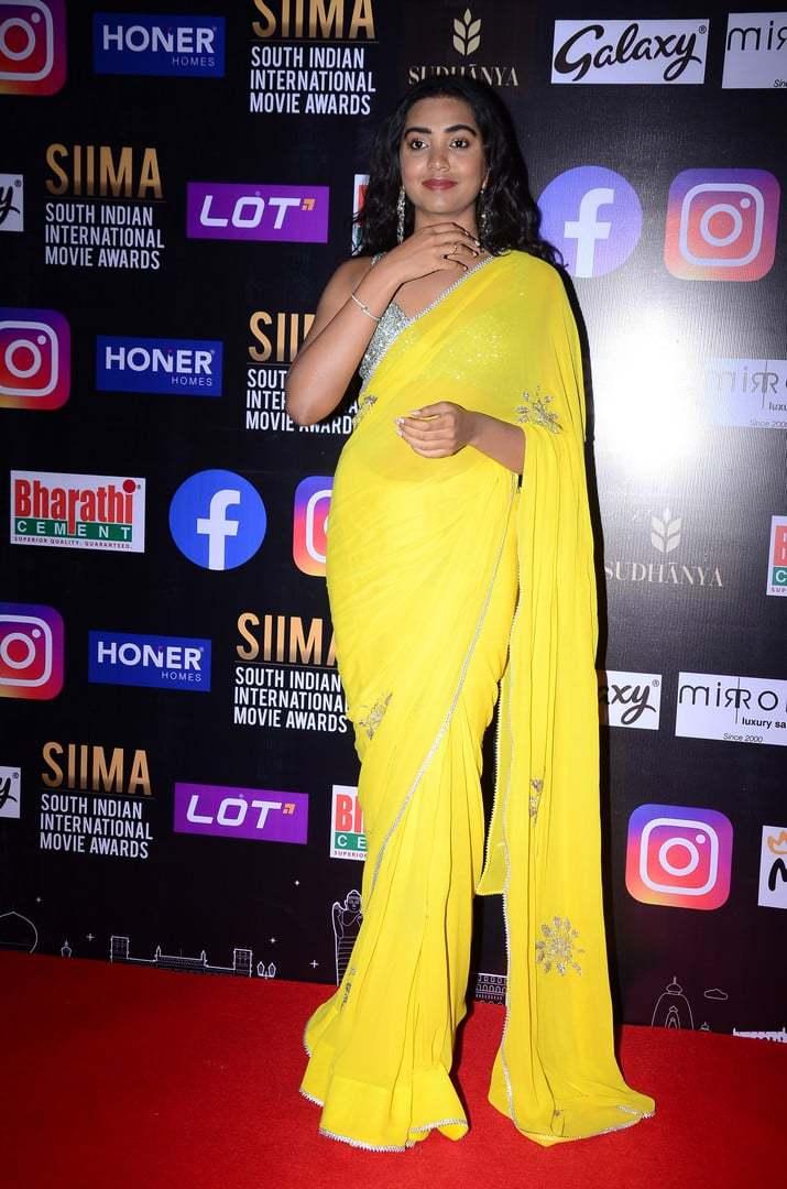 shivatmika nair in yellow saree at siima awards 2021 (6)