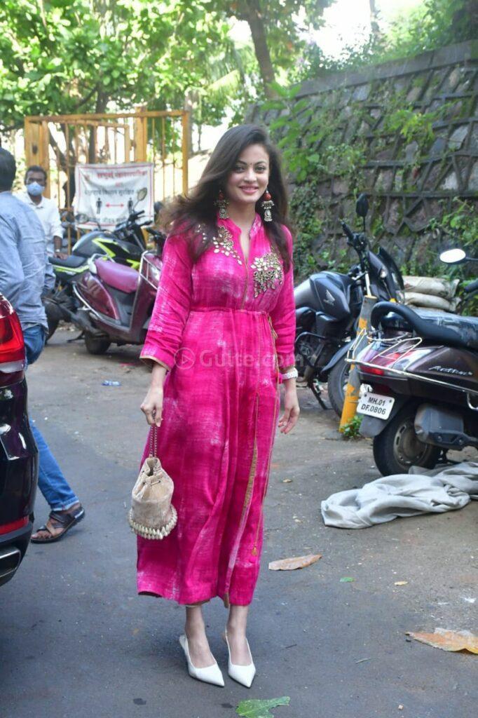 sneha ullal in a pink tie dyed kurta set for ganpati puja