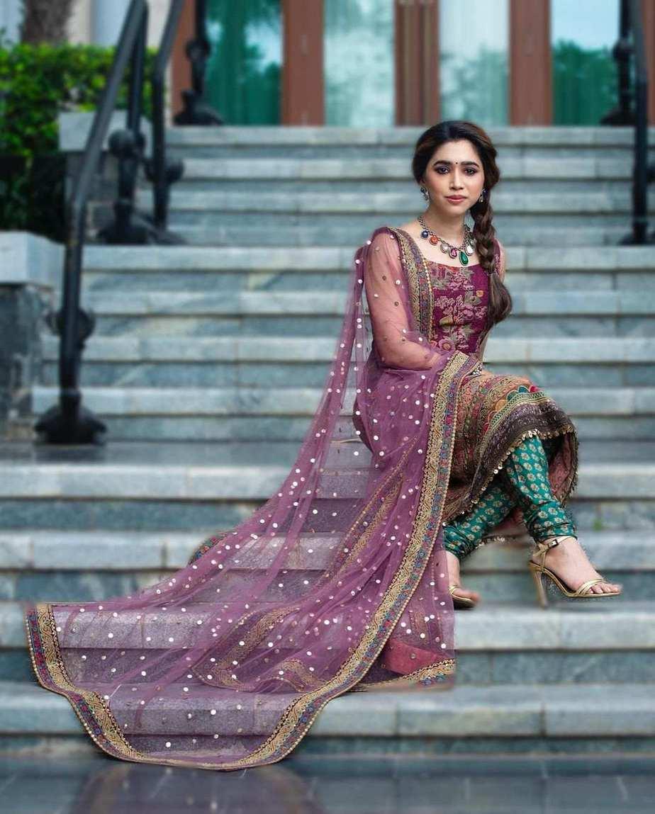 Aarti Ravi in purple lurta set by Sabyasachi-2