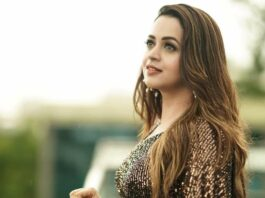 Bhavana Menon in a black label m saree-4