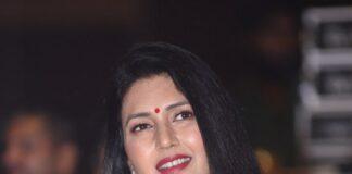 Deepti Bhatnagar in red saree at Pelli SandaD pre release