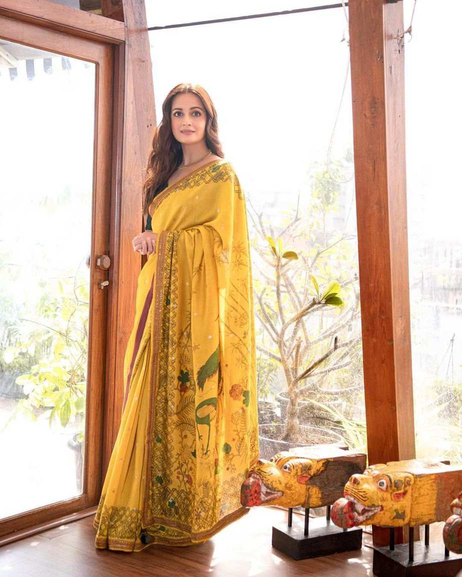 Dia Mirza in a mustard saree by archana jaju for womens of change award-4