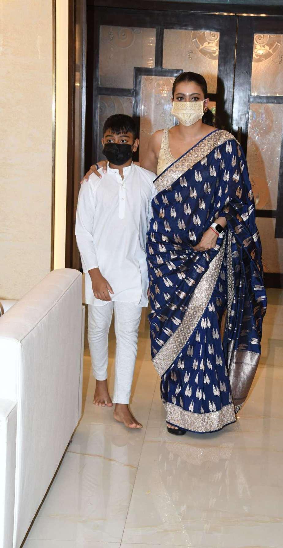 Kajol in a navy blue anita dongre saree for Durga Ashtami-3