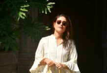 Kareena kapoor in an ivory kurta set outside randhir's house0