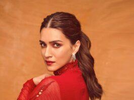 Kriti Sanon in red mahima mahajan kurta set for HDHD promotions on KBC-3