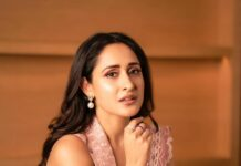 Pragya jaiswal in pastel saree suit by Archana Rao label for times business awards'21-2