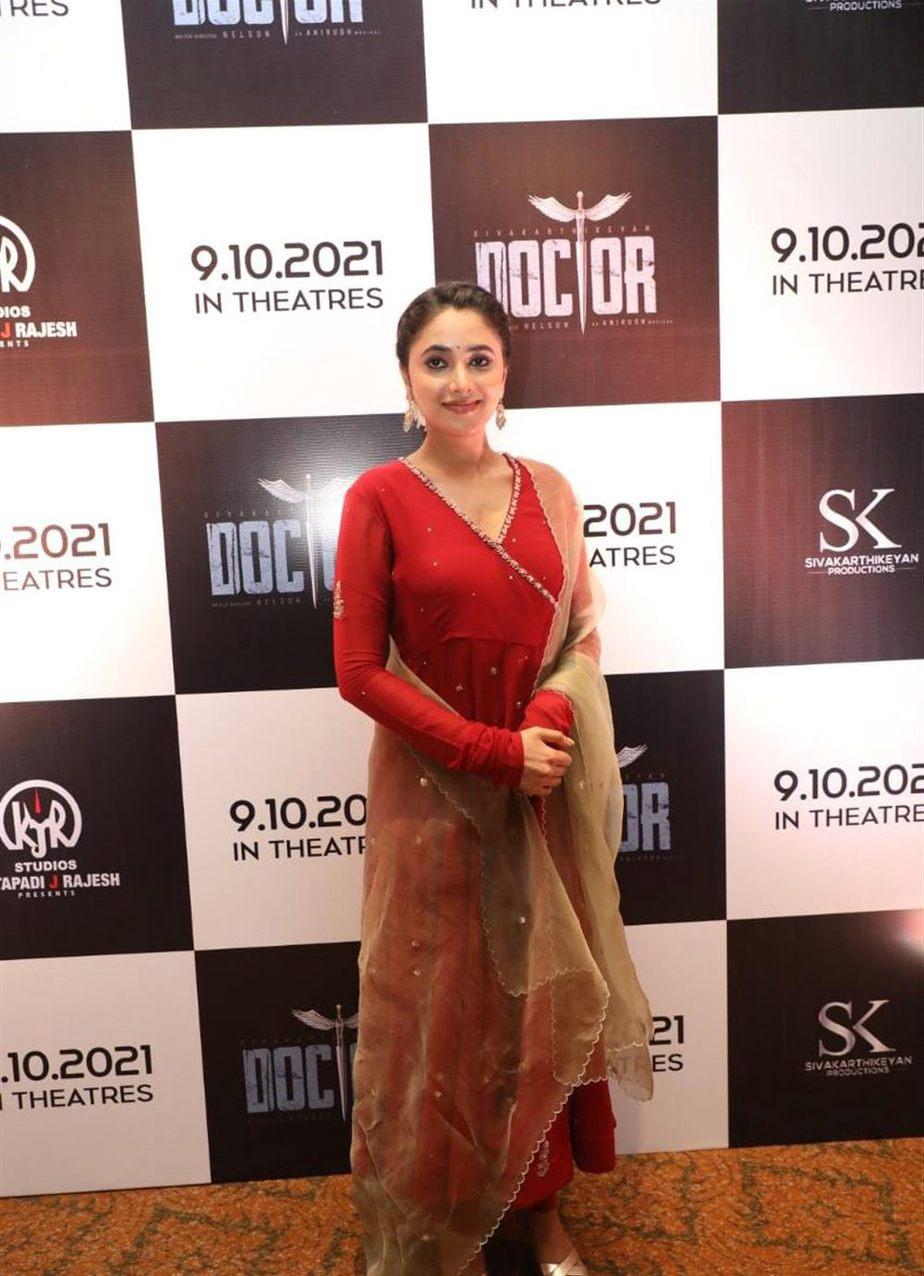 Priyanka Mohan in red anarkali set for Doctor promotions-2
