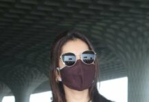 Raashii Khanna in a cord darted dress at the airport-2
