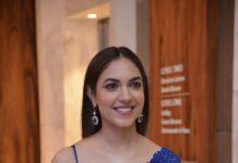Ritu Varma in a blue kresha bajaj saree for varudu kaavelenu sangeet-1