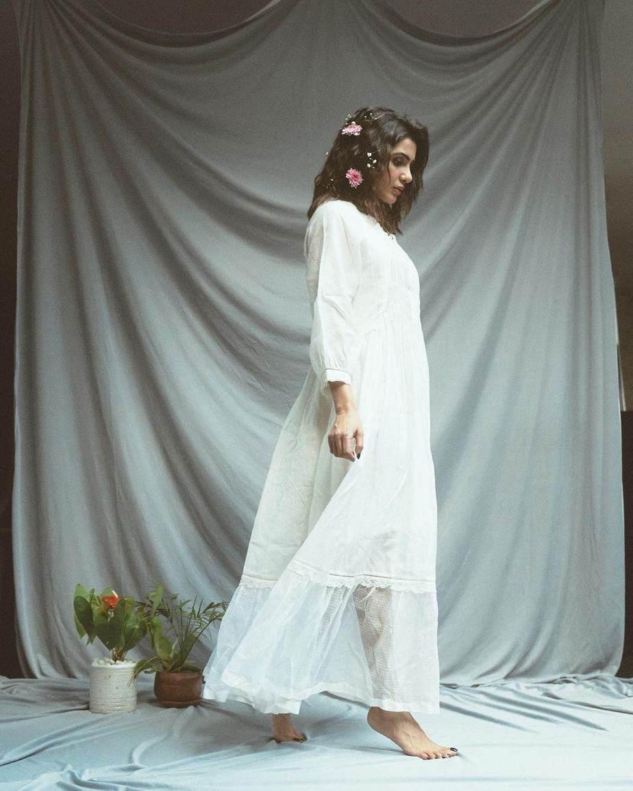 Samantha Ruth Prabhu in a white handwoven dress by eka-1