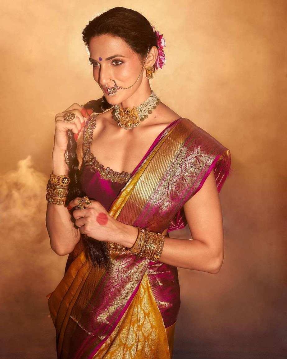 Shilpa Reddy in a kankatala saree for naavadurga series-yellow-1