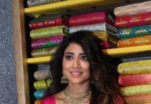 Shriya Saran in a pink pattu saree at shop opening-3