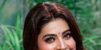 Sneha Prasanna in a pink saree by Geetha Haute couture-2